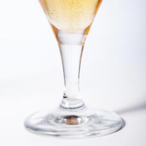 ¡Un brindis por el vidrio!
